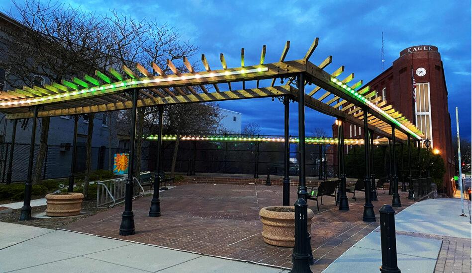 Sottile Plaza lit up
